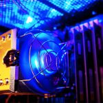 怪しい光が所有欲を満たす!ゲーミングPCの「LED装飾」